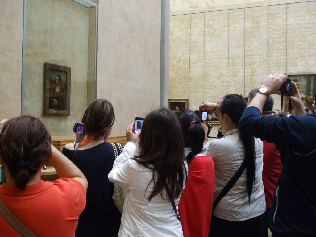 Mona Lisa paparazzi