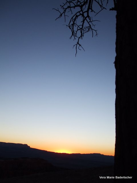 Sunrise over Bryce Canyon, Utah