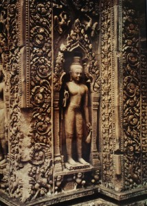 Statue at Banteay Srei