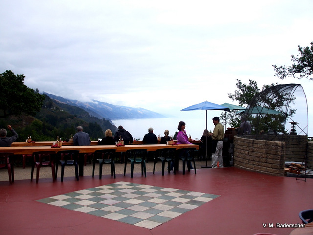 Outdoor dining, Nepenthe, Big Sur