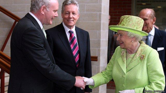Queen Elizabeth visits Belfast,