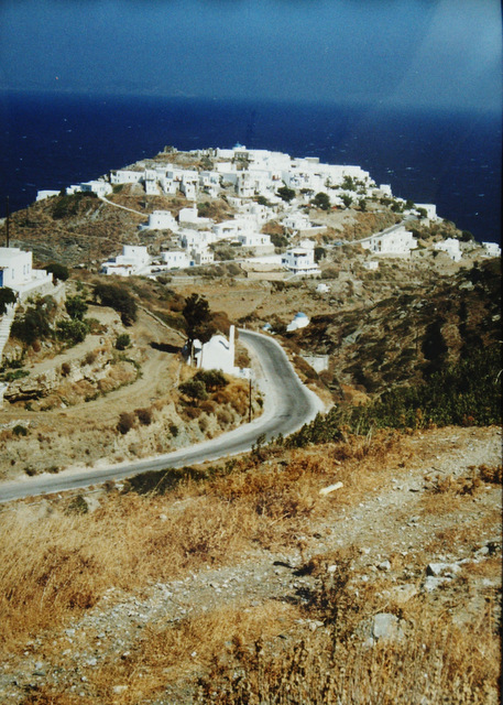 Island of Siphnos, the road from Artemonas to Kastro