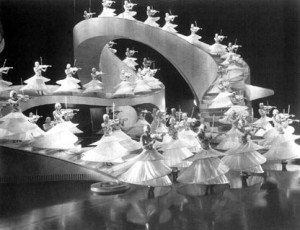 Busby Berkeley number in Golddiggers