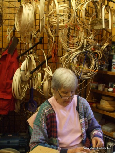 Basket Maker at Cliff Dwellers, Gatlinburg TN