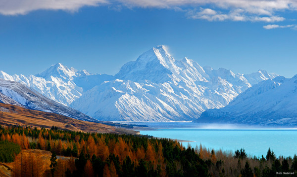 Hobbit land Lake Pukaki and Mt. Cook