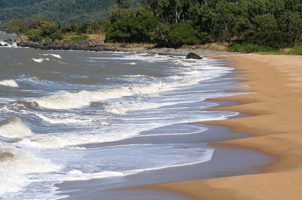 Beach Read: Australian beach