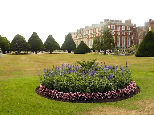 Elizabethan England-Hampton Court