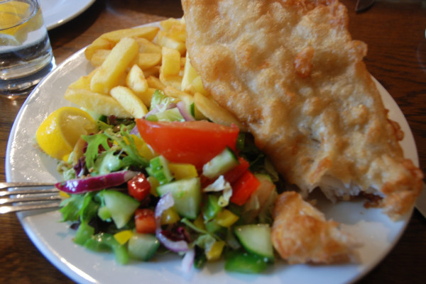 Scottish Food: Fish & chips, Dores Inn