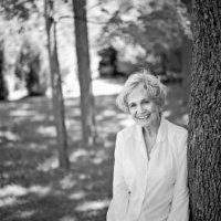 Award Winning Authors: Munro