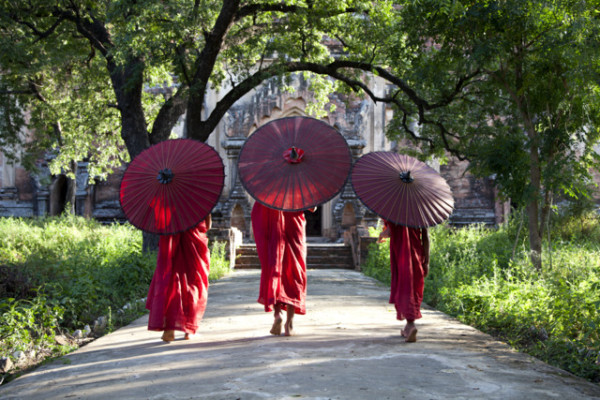Bagan Burma monks